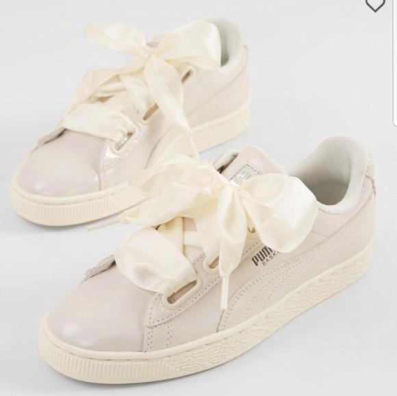 reputable site 11ad0 437da New Puma Basket Heart Pearl white sneakers NWT